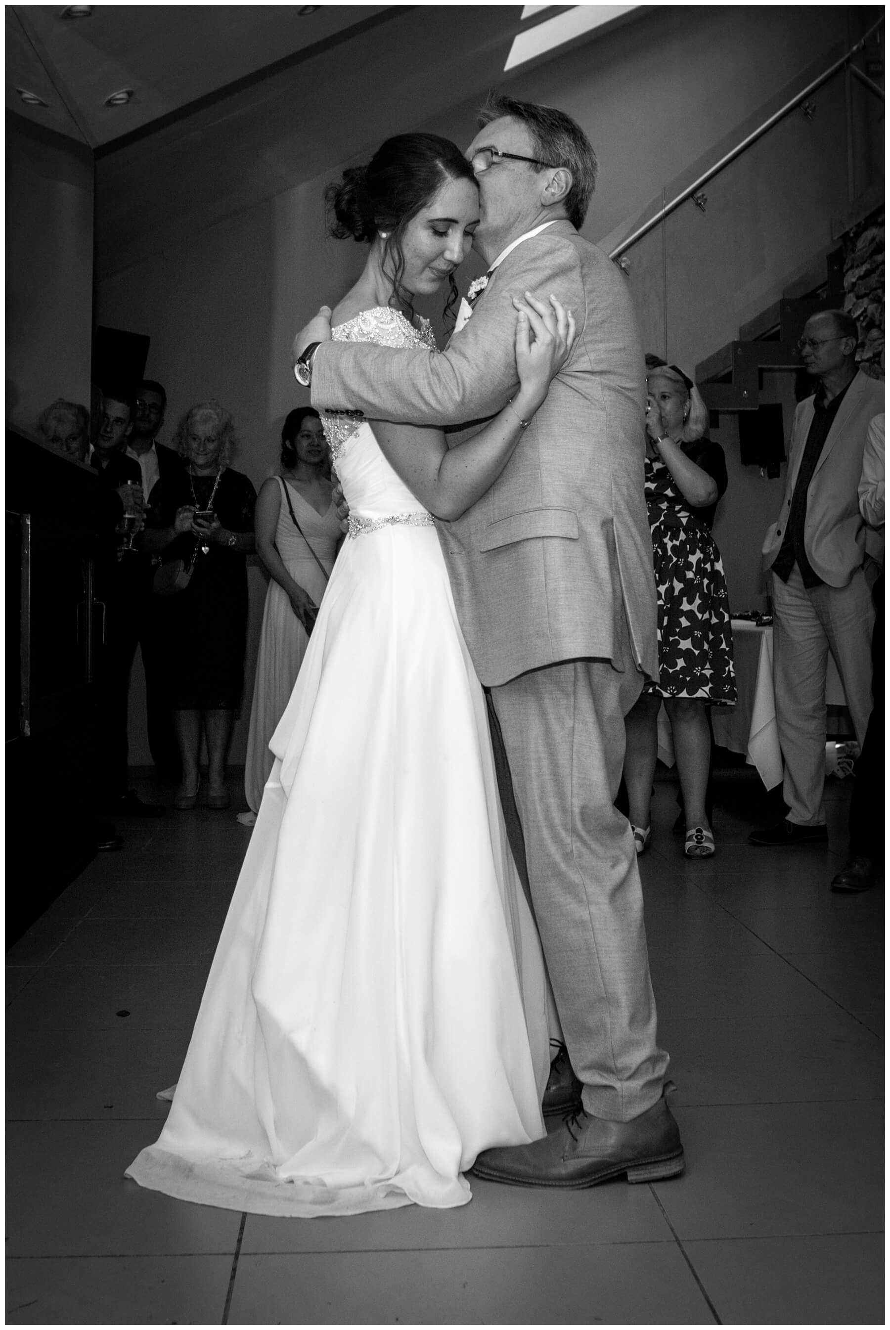 Travenna Barn Wedding Photographer